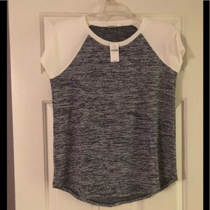 NWT Gap softspun knit tee